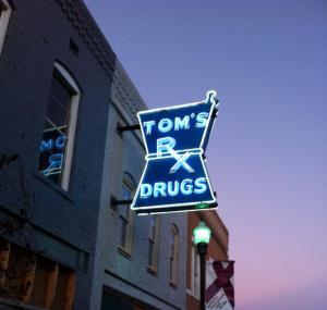 Tom's Sign